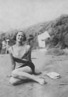 8  Mother Bathing Beauty