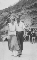 17 Mother and Father Honeymoon