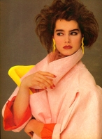 13  US Vogue Brooke Shields Bob - 1984