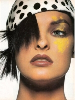 31  US Vogue Hat LInda Evangelista - 1987