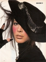 30  US Vogue Hat Christy Turlington - 1987