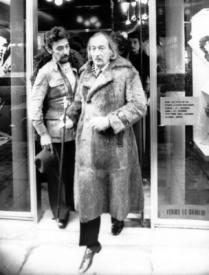 5   Salvador Dali with Lluis Llongueras